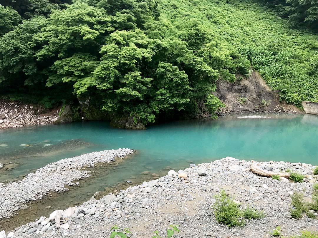 糸魚川翡翠の原産地、小滝川エリア付近